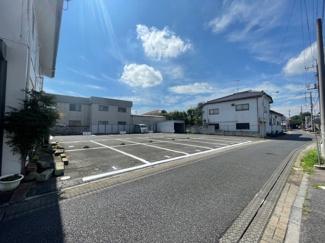 【外観】シャッター付車庫兼倉庫