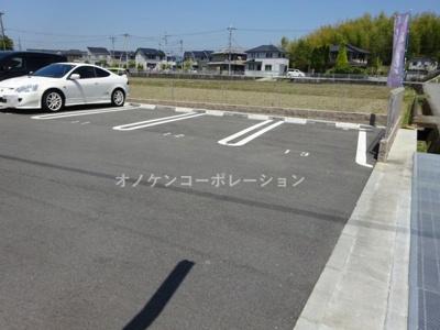 【駐車場】つむぎ