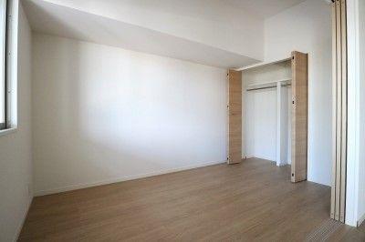 写真は別室の写真です。現況優先。