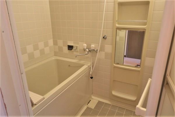 【浴室】 大変綺麗な浴室です♪