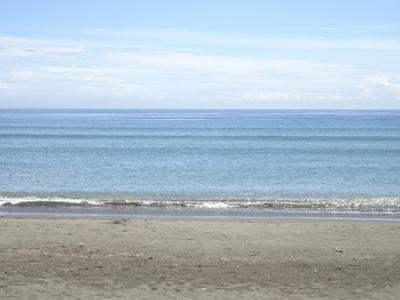 サーファーには嬉しい浜須賀ビーチが目の前♪