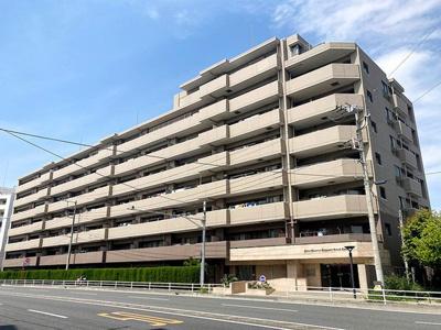 湘南に佇むスタイリッシュモダンな建物です♪周辺施設も恵まれた、生活しやすい環境♪