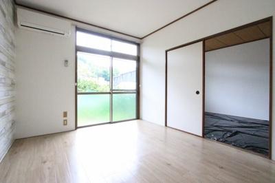 【居間・リビング】サンハイム川本