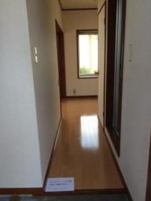 【玄関】クレヨンハウス