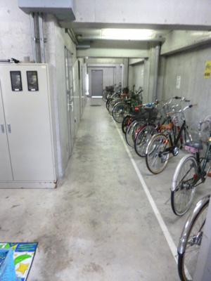 【駐車場】スカイコート新宿御苑前