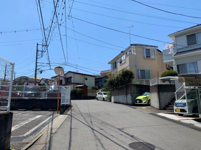 【前面道路含む現地写真】平塚市公所 中古戸建