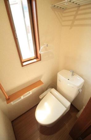 【トイレ】○●南角地に立地する4LDKの中古戸建●○