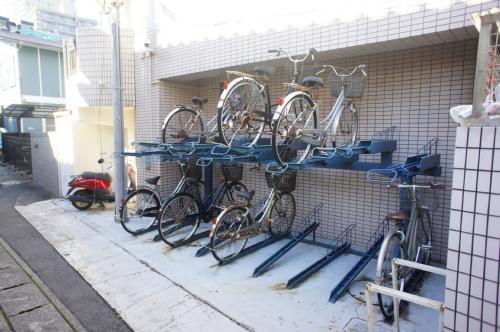 自転車はコチラへ