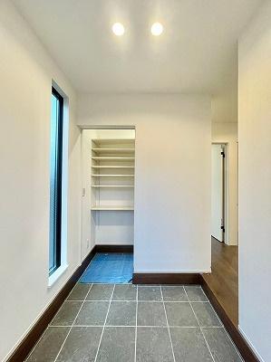 no2 浴室からサンルームは繋がっている為、家事導線抜群です!