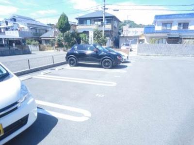 【駐車場】グレイス南吉田