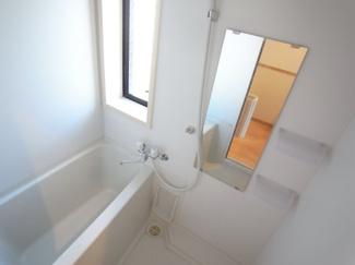 浴室乾燥機能付きバスルーム