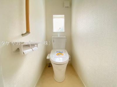 (同仕様写真)1Fと2Fにトイレがあります。