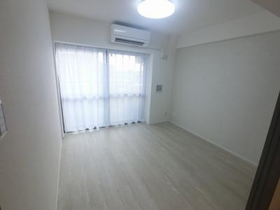 5.3帖の洋室です。 子供部屋やワークスペースとしても活用できます。