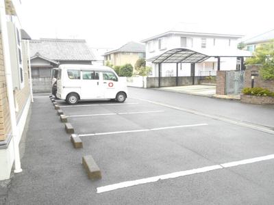 【駐車場】ディアコート・マキ