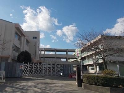 藤岡市立美土里小学校まで1100m