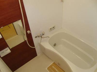 浴室の雰囲気☆追炊き機能付きです