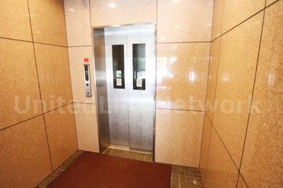 エレベーターでラクラク