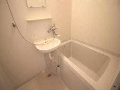 お風呂・トイレ別です