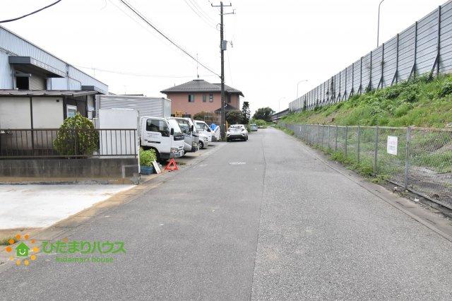 前面道路は広々としており駐車が楽々(^▽^)
