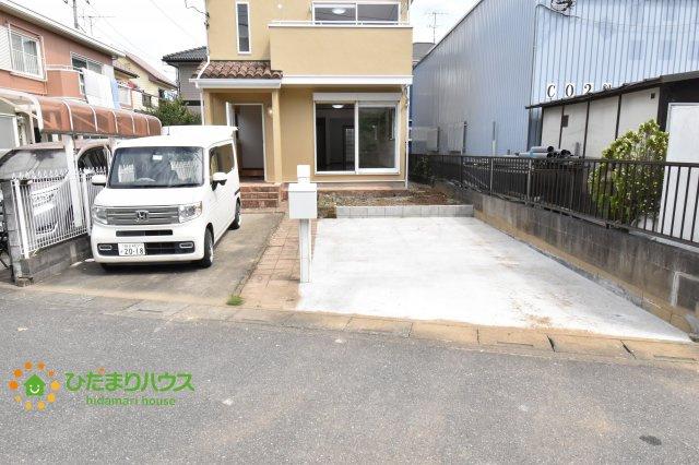ゆとりある駐車スペースは、親戚や友達が遊びにきても敷地内に駐車でき、近所に迷惑かけなくてすみます。