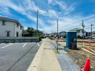 【前面道路含む現地写真】三島市幸原町第1 新築戸建 3号棟