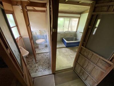 【浴室】勝田郡奈義町中島西 中古6LDK+離れ