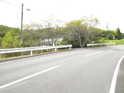 【前面道路含む現地写真】勝田郡奈義町中島西 中古6LDK+離れ