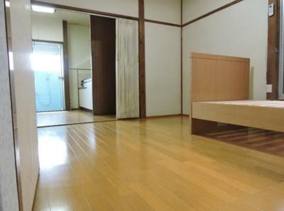 【居間・リビング】大久保荘
