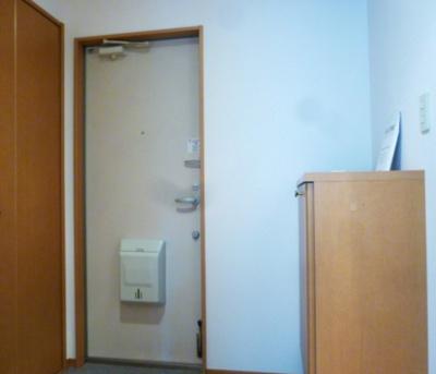 【玄関】グレイシスコート庭代台 B