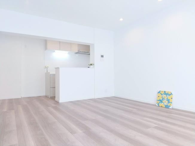 新規リノベーションマンションにつき快適に新生活をスタートできます 家族の集うLDKは10.0帖の解放感あふれる空間です