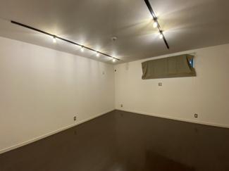 2021年8月23日撮影 2面採光のお部屋ですので、お部屋の通風・採光良好です。