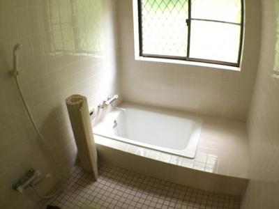 【浴室】西芦田中古住宅