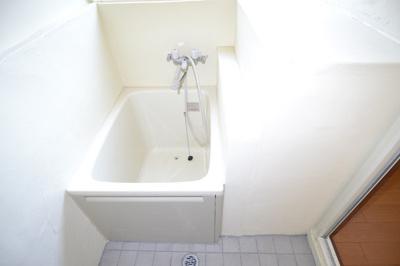 【浴室】エジリ貸住宅