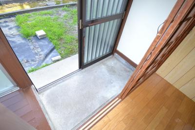 【玄関】エジリ貸住宅(棟割)B