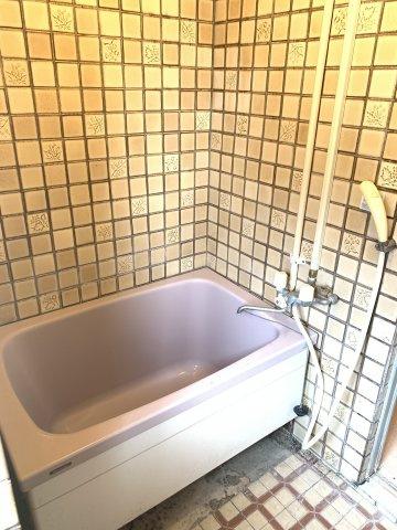 浴槽も大きくゆったりとしたバスタイムを過ごせますね
