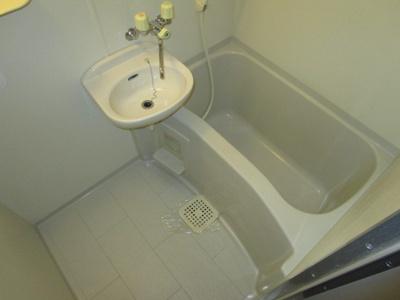 【浴室】クリサンスレッド