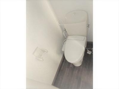 【トイレ】ルーシアイズミ