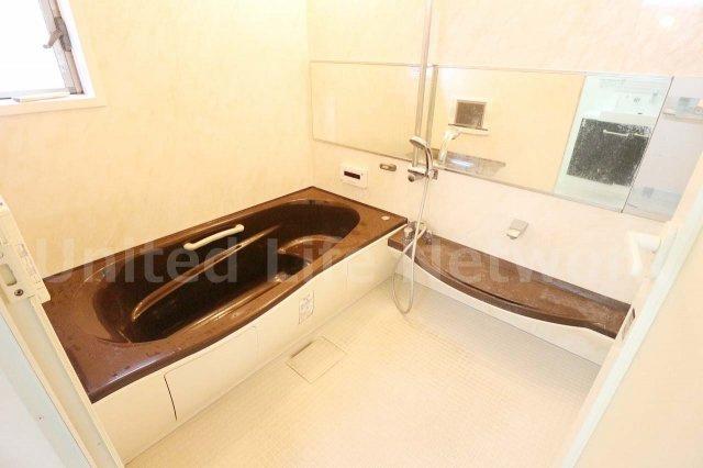 浴室乾燥機や追い焚きなどあったら嬉しい設備が充実しております
