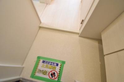 【玄関】ルガールボニート新神戸