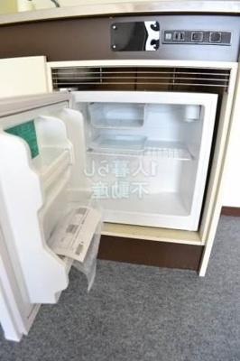 ミニ冷蔵庫ついてます