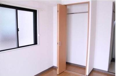 収納はしっかりあるので、安心です。*別室参考写真です