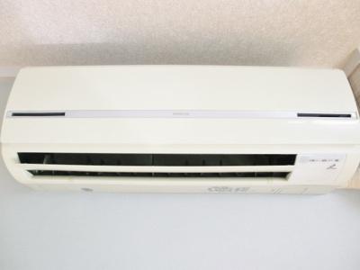全室に暑い夏や寒い冬に大活躍のエアコン付きです☆冷暖房完備で1年中快適に過ごせます♪