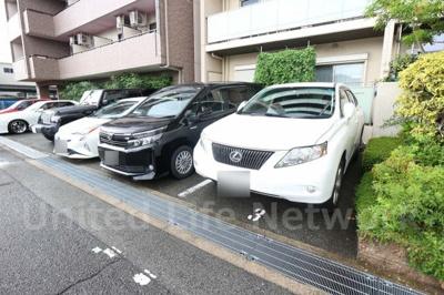 大切な愛車のための駐車場