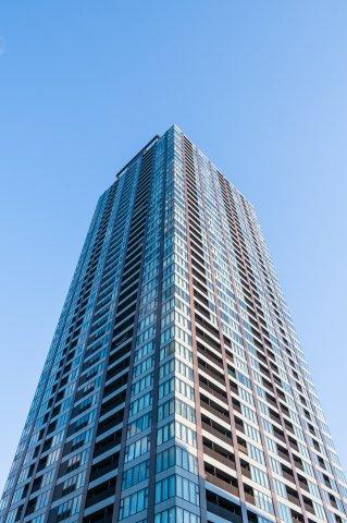 利便性と環境の充実を兼ね備えた、天満エリアのランドマークタワーマンションでございます。