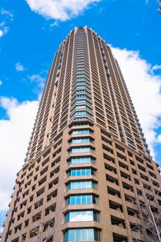 【外観】今尚、大阪No1に君臨し続けるタワーマンションの風格!キャメルカラーが品の良さを醸し出しています!