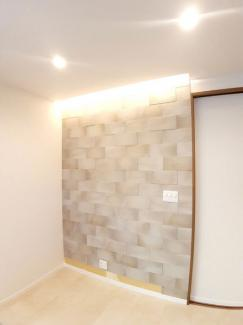 リビングには、お部屋の空気をきれいに保つエコカラットが!!湿度も調整できるので毎日快適です♪(※エコカラットはオプションとなります)