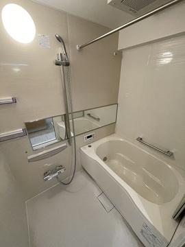 落ち着いた空間のお風呂です 浴室乾燥機・追炊き機能付き
