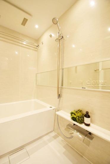 物件のお問い合わせは、 0120-700-968までお気軽にどうぞ! バスルーム 浴室乾燥機付き