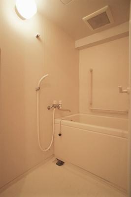 【浴室】ルートホワイトⅡ