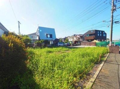 【前面道路含む現地写真】東村山市久米川町4丁目 全2棟 A号棟